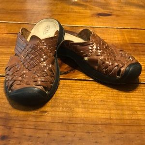 Keen Leather clogs, size 8, GUC